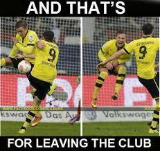 Lewandowski Memes - hahaha lewandowski talking to gotze soccer memes