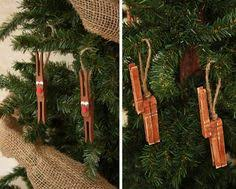 festive reindeer from recycled clothes pins reindeer