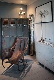 Chaise Industrielle Métal Noir Antique Déco Industrielle Crédit Photo Flickr Kotomicreations Vestiaire