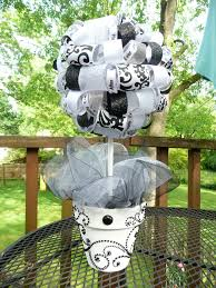How To Make Ribbon Topiary Centerpieces by 382 Best Crafts Topiary Trees Images On Pinterest Parties