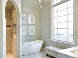 Bathroom Fixtures Showroom by Out With The Mold And In With A New Luxurious Master Bathroom Hgtv