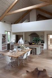 idee cuisine ouverte idée relooking cuisine hauteur sous plafond dans cette salle