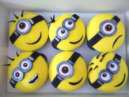 minion cupcake cake more minion cupcakes cake by laras theme cakes cakesdecor
