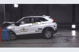 si e auto crash test ncap crash test a 5 stelle per 8 auto volvo sfiora l
