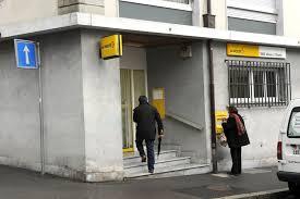 la poste bureau de poste le dégraissage des offices de poste se poursuit
