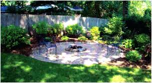 patio ideas small courtyard landscaping ideas image detail for