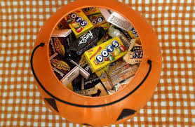 Halloween Candy Gift Basket by What To Do With Leftover Halloween Candy Other Than Eat It