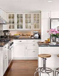 Cottage Kitchen Decor by Cottage Decorating Black And White Decor
