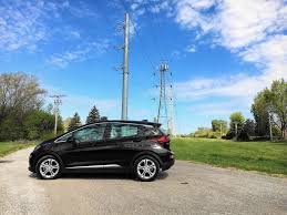 2017 chevy bolt is a good car with great implications chicago
