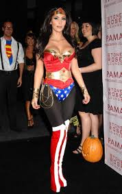 kim kardashian wonder woman 06 jpg 750 1189 cosplay