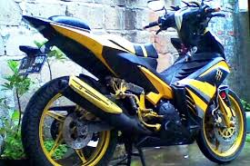 dunia modifikasi motor januari 2014 galeri modifikasi motor dengan warna kuning hitam ala bumble bee wpid modifikasi jupiter mx king 150 kuning hitam bumble bee jpg