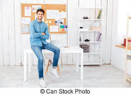 affaires de bureau homme affaires coudes bureau mains pliées coudes sien image