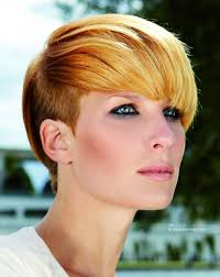 short hairstyle with a super short undercut section