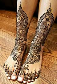 best mehandi floral designs for legs and