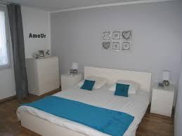 chambre avec mur en notre chambre avec un mur gris et linge de lit bleu canard photo 1