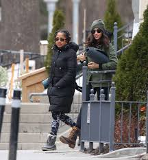 meghan markle toronto address meghan markle with her mom going to yoga in toronto