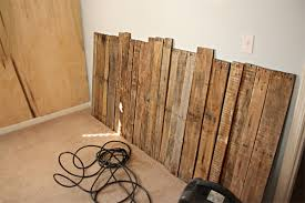Textured Accent Wall Textured Wood Pallet Accent Wall U2013 Design U0026 Trend Report 2modern