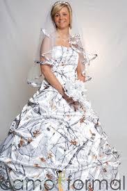 camo dresses for weddings snow camo wedding dresses wedding corners