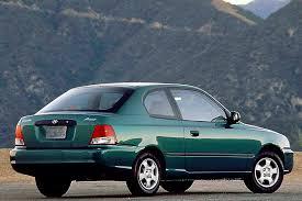2002 hyundai accent sedan 2000 05 hyundai accent consumer guide auto