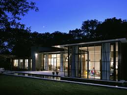 Glass Box House Mapping World Class Architecture In The Hamptons