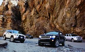 jeep toyota jeep grand cherokee vs kia borrego nissan pathfinder toyota