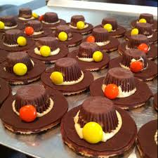 thanksgiving pilgrim hat cookies can use rolo or for