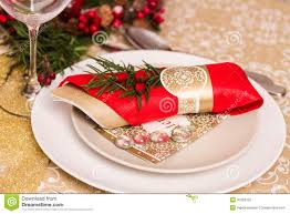 Gold Table Setting by Christmas Table Settings Photos Elegant Christmas Table Setting