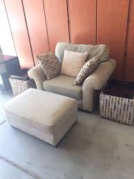 Alan White Loveseat Alan White Oversized Accent Chair And Ottoman Furniture In