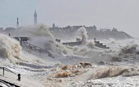 Gale Warning Flag Uk Weather Storm Aileen Set To Batter Britain With 75mph Winds