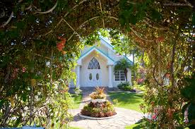 oahu wedding venues anela garden ainakai hawaii wedding photography