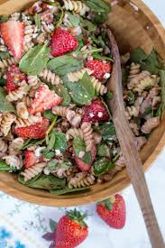easy blt pasta salad with spinach and ranch dressing