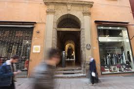 a casa bologna andare a casa di lucio porte aperte residenza dalla a bologna