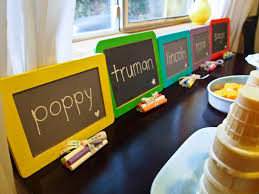 inexpensive party favors 1 write on chalkboards kids school so why not let