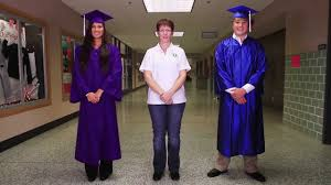 cap and gown for high school high school cap and gown how to wear