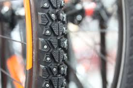 trail guide tires ib15 rubber round up maxxis fattens up with plus size and u0027wide
