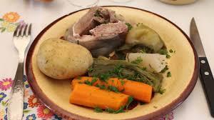 cuisiner tete de veau la tête de veau sauce gribiche plats cuisine vins