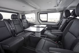 opel vivaro opel vivaro tourer i vivaro kombi elegance nowe wersje minibusów