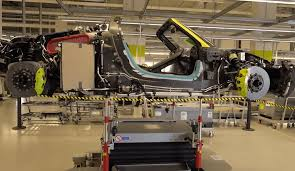 porsche factory porsche 918 spyder factory assembly video digital trends