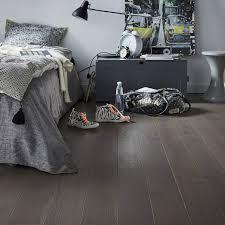 parquet de chambre parquet contrecollé chêne gris foncé vitrifié l barlinek leroy merlin