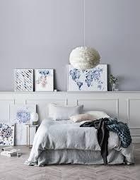chambre coconing installer un luminaire délicat au dessus du lit pour une chambre