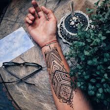 menna trend sees wearing intricate henna tattoos bored panda
