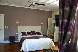 climatisation chambre chambre équipée d un joli ventilateur et climatisation dans la