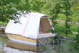 This Mobile Amphibious Tent Bed Lets You Nap On The River Mental