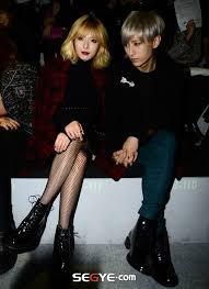 k pop js hyuna trouble maker photoshoot k pop trouble maker s hot black n plaid appearance at 2014 spring