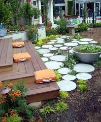 Backyard Stone Ideas by Best 25 Round Stepping Stones Ideas On Pinterest Round Pavers