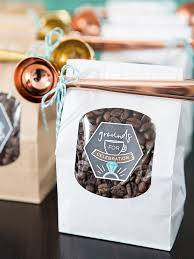 Diy Favors by These Diy Coffee Favors With Metallic Scoops Are The Cutest