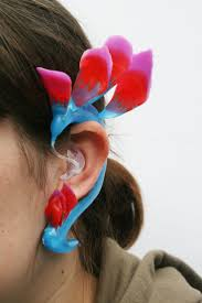 hairstyle that covers hearing aid wearer 87 best custom hearing aids images on pinterest hearing aids