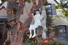 Cheap Outdoor Halloween Decorations by Spooky Halloween Decor Spooky Halloween Decorations Outdoors