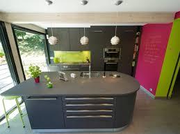cuisine ouverte ilot central cuisine nature chêne teinté anthracite cuisine ouverte îlot