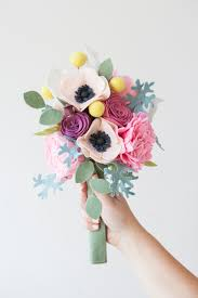 how to make a wedding bouquet this wedding bouquet is made out of felt flowers learn how